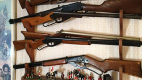 Antique Guns, Knives, Swords and Military Memorabilia
