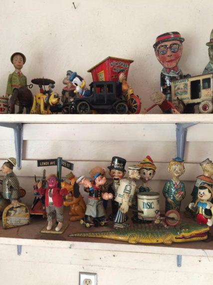 vintage toy dealer